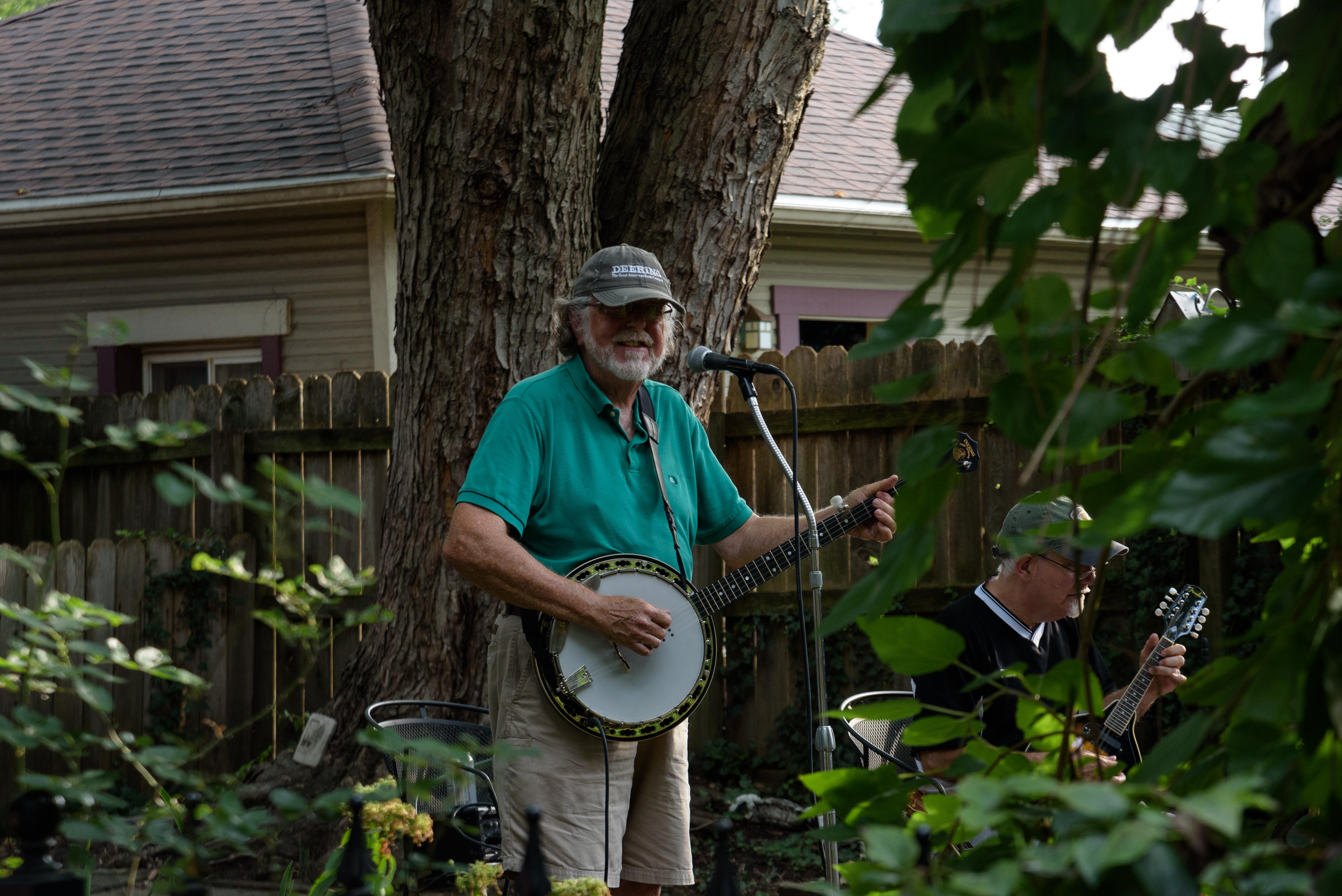 Paul Race and Geoff Walker performing at Dayton Porchfest, 2021
